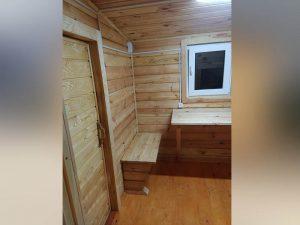 Внутри готовой бани